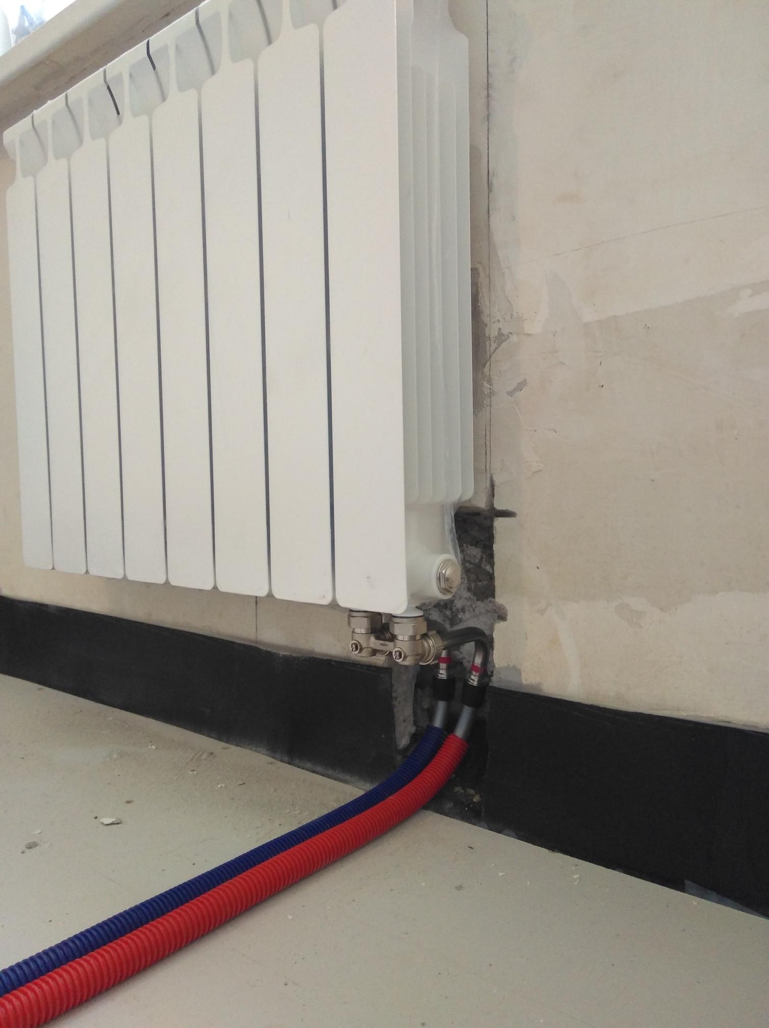montazh-radiatorov-otopleniya-08